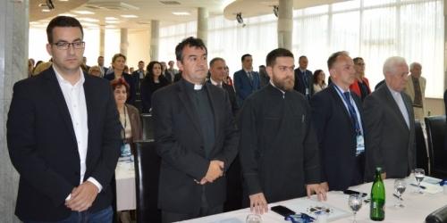 Predstavnici sve tri religije uputili zajedničku molitvu…