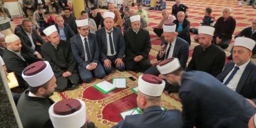 Mevludski program i predavanje u Malezija džamiji u Turbetu