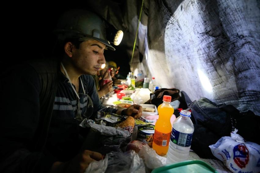 Iftar na 350 metara ispod zemlje