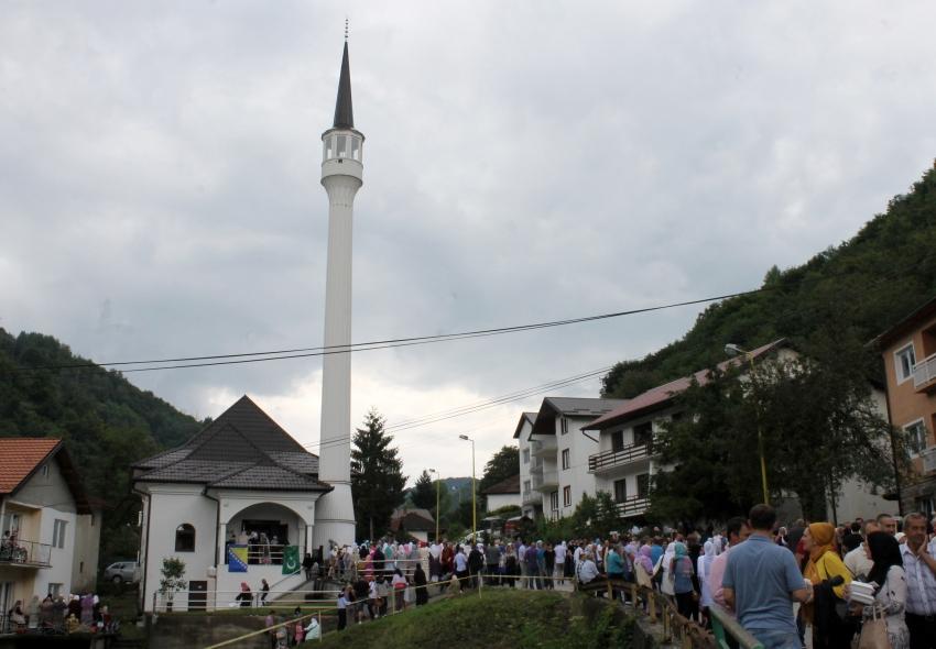 """U Srebrenici svečano otvorena """"Šehidska džamija"""""""