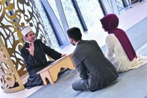 Non musliman momak izlazi s muslimanskom djevojkom