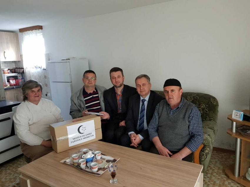 Srebrenik: Pomoć porodici kojoj je kuća izgorjela