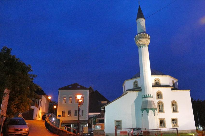Kako su po predaji sagrađena Esma Sultanija džamija i grad Jajce dobili ime?