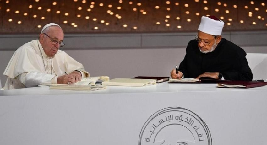 Tekst Povelje koju su potpisali šejh Al-Azhara i katolički poglavar Franjo