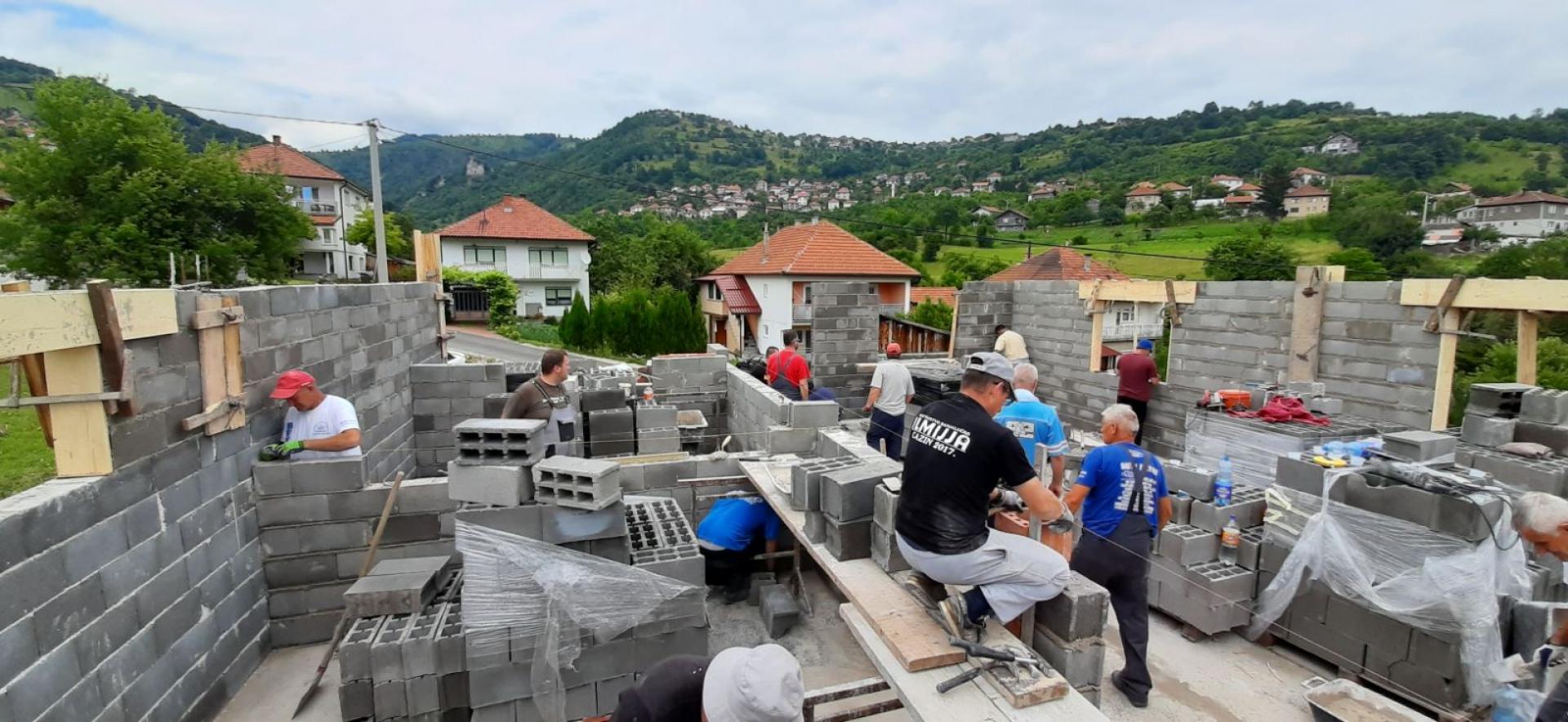 Kod efendije na akciji izgradnje porodične kuće