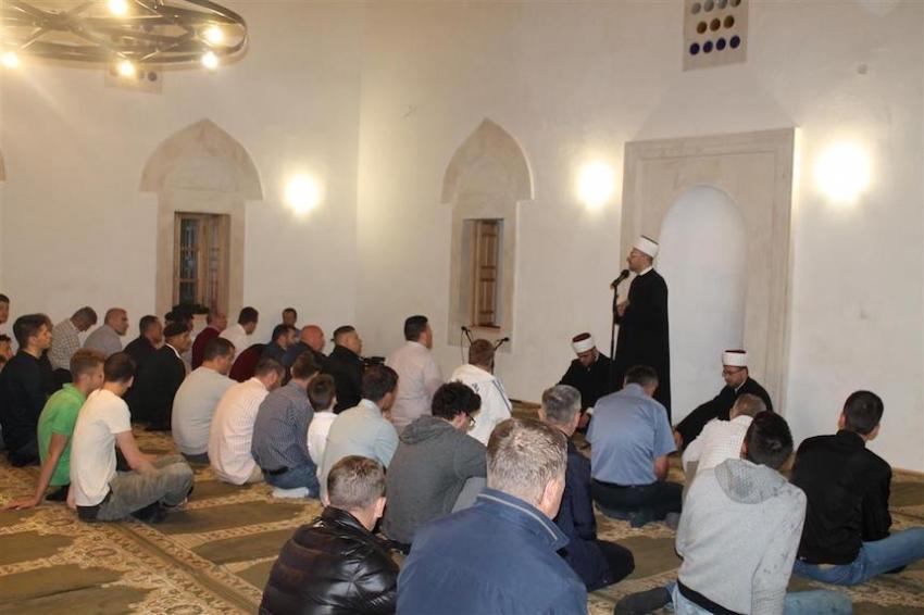 Nakon sedamdeset godina klanjan prvi namaz u obnovljenoj Sinan-pašinoj džamiji u Mostaru
