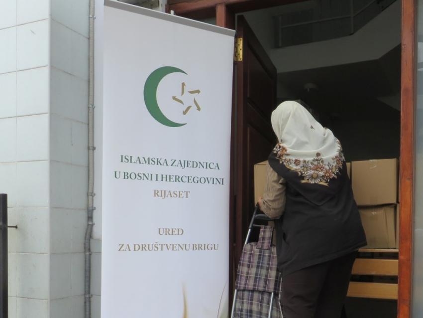 Ured za društvenu brigu: Obezbijeđeno 950 prehrambenih paketa za socijalno ugrožene
