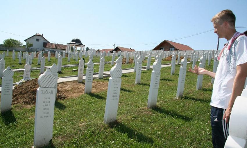 25 GODINA OD GENOCIDA U PRIJEDORU - Govor ptica  genocidom rastjeranih