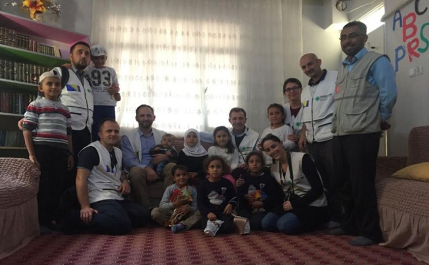 """Humanitarni konvoj """"BiH za narod Sirije"""" stigao u Rejhanli"""