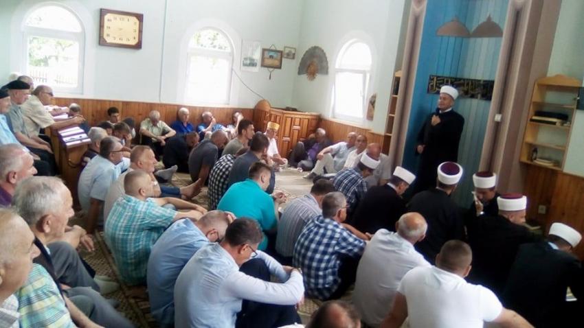 Iz Srebrenika na hadž putuje 37 hadžija