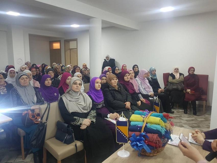 Vitez: Obilježen Dan hidžaba