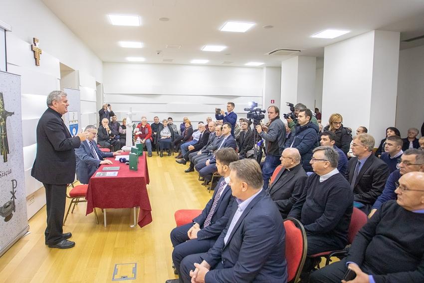 """Predstavljena knjiga """"Razumjeti islam"""" muftije Aziza Hasanovića"""