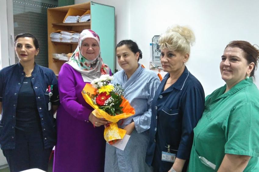 Tešanj:  MIZ Tešanj darivao novorođene bebe u Općoj bolnici