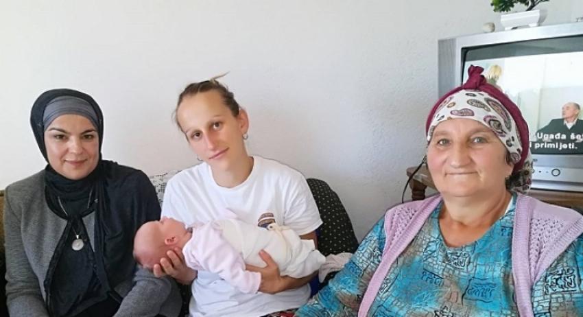 Lejla je prva beba rođena nakon 26 godina u Knežini