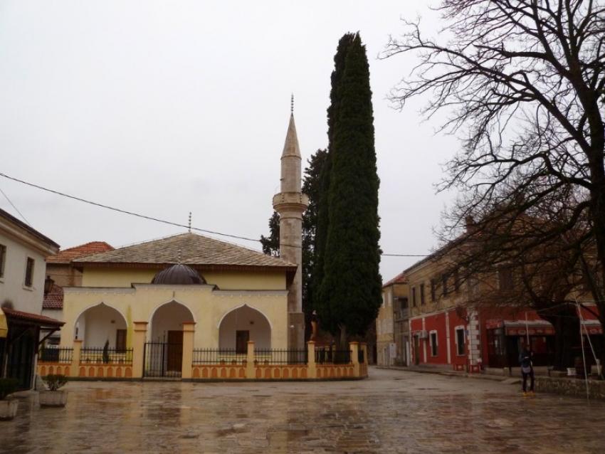 Trebinje: Razbijeno staklo na Osman-pašinoj džamiji