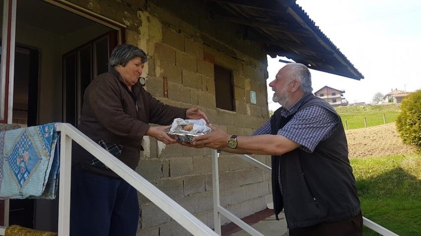 Džematlije oformile 'javnu kuhinju' i hrane 19 osoba