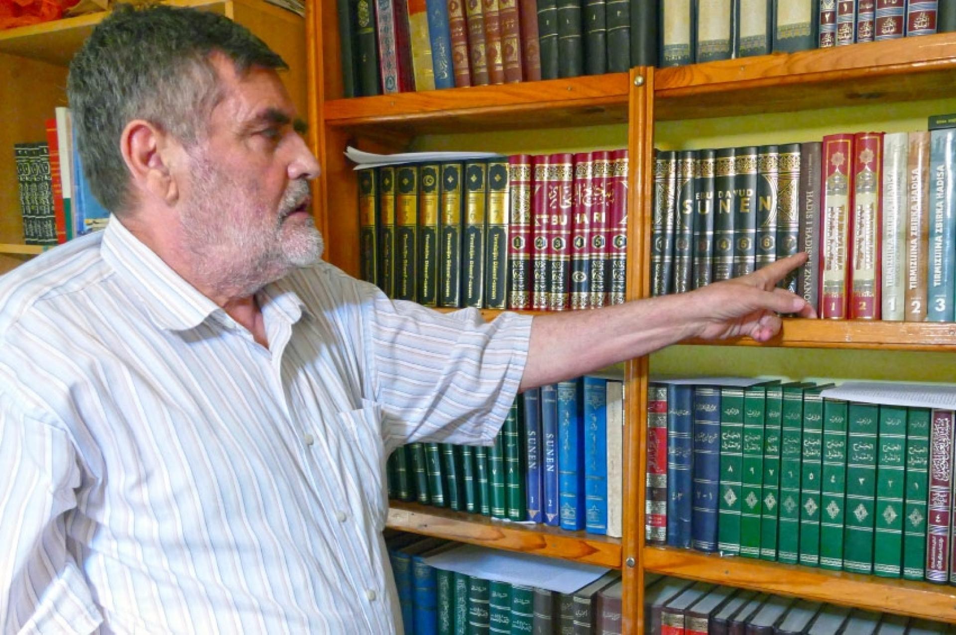 Na Ahiret preselio profesor Mahmut Karalić