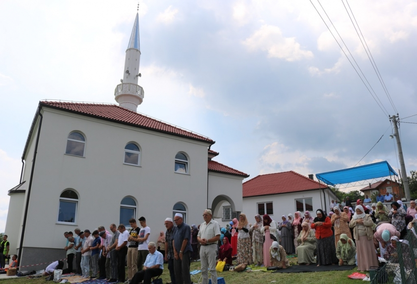 Zvornik: Svečano otvorena džamija u Skočiću