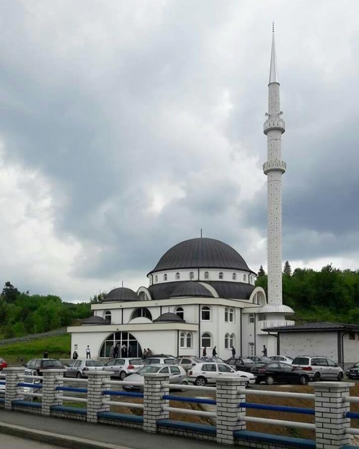 Slikovni rezultat za islamski centar banovici